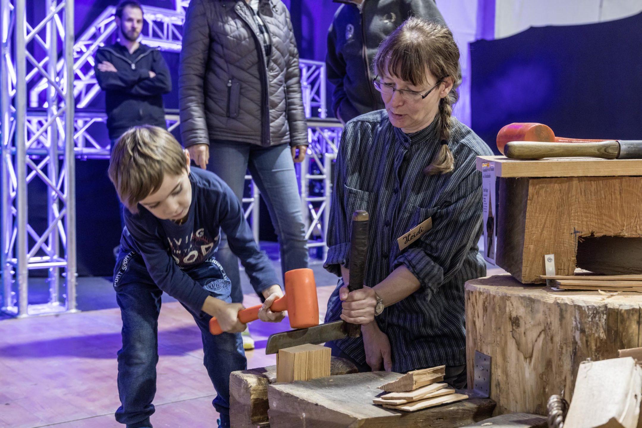 gross-und-klein-konnte-das-buendner-handwerk-hautnah-erleben